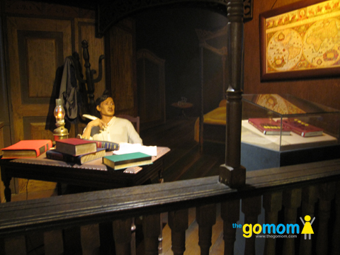 Bahay Tsinoy Life Sized Exhibit of Filipino Chinese Mestizo Hero Jose Rizal