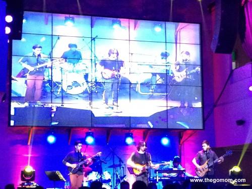 side a concert at k pub