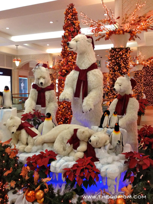 They have this polar bear display yearly but it is still adorable all the time.