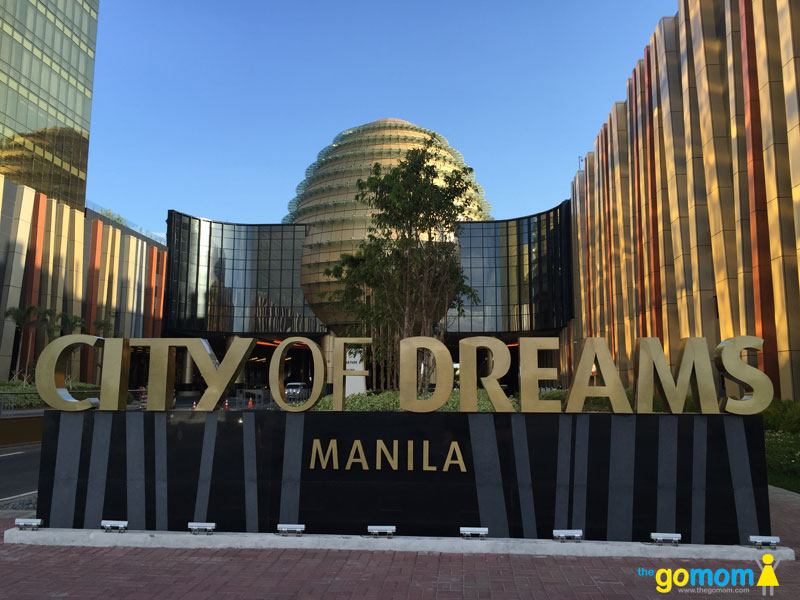 picture worthy entrance to city of dreams