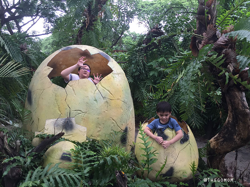 Dinosaur-Island-Clark---Inside-Dino-Egg
